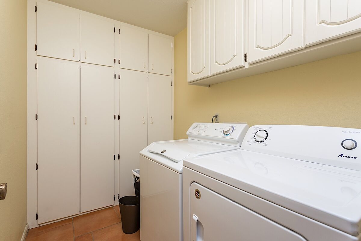 Full Size Washer & Dryer in Townhome