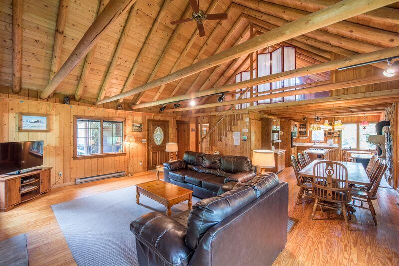 Cedar Stone Cabin | Vacation Rental In Hocking Hills Ohio | Buffalo