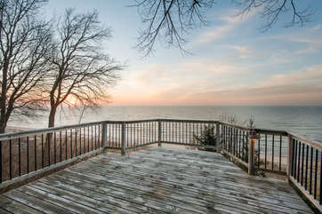 Patio Overlooking Lake Michigan & Private Beach