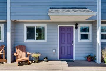 Nye Beach Townhomes: Purple Door