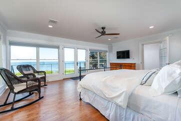Second Floor King Master Suite w/Lake Views
