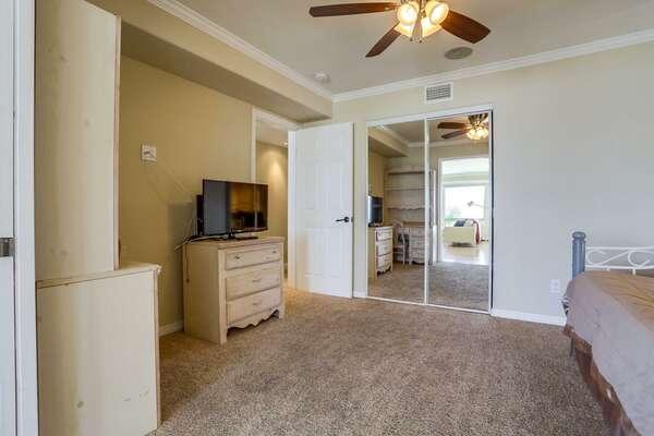Guest Room - Smart TV