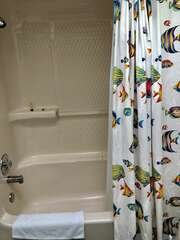 3rd bedroom also has tub/shower combo