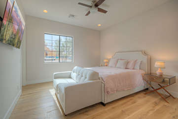 3rd bedroom has a queen bed, large TV and ensuite bath