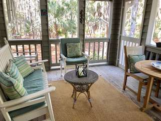 Adorable screened porch
