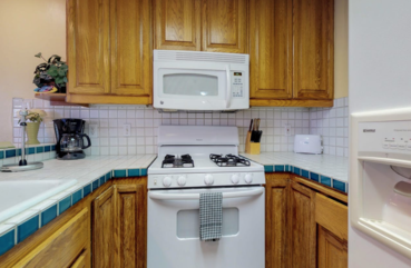Kitchen -dishwasher, oven, stove, microwave, coffee maker and more!