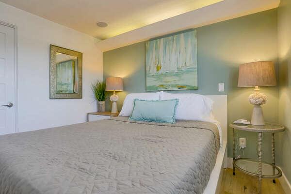 Guest Room, Queen - Third Floor