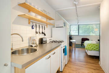 Studios On 25th by BCA Furnished Apartments Studio 03 C