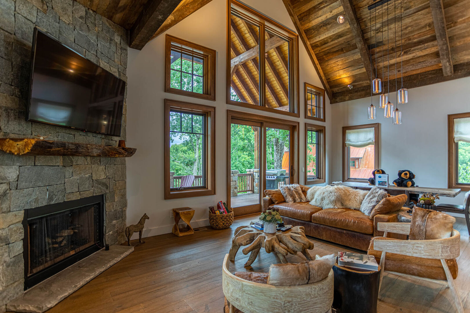 Blue Ridge Mountain Rentals: Storybook Cottage in Eagles