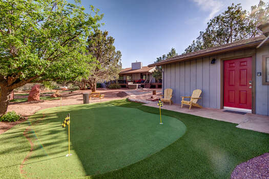 Putting Green, Free Standing Casita Casita Entrance