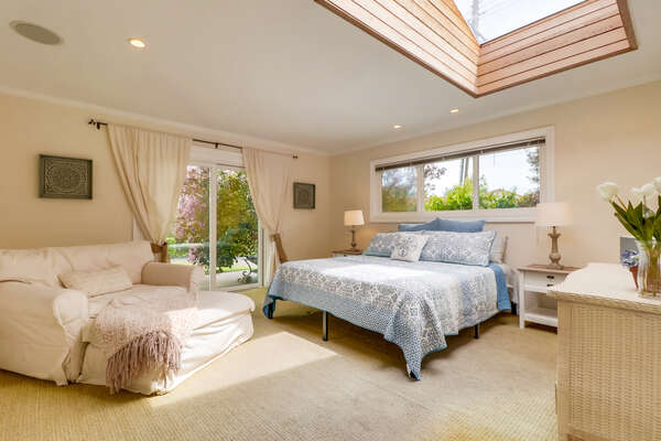 Master Bedroom, King Bed