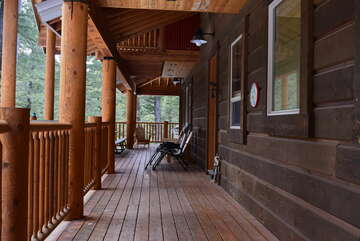 Front deck w/ outdoor seating