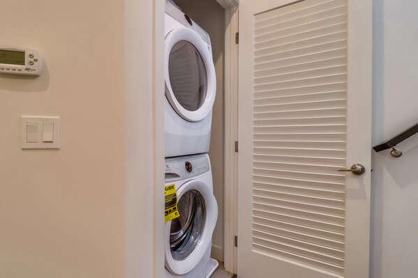 Washer/Dryer, 2nd Floor
