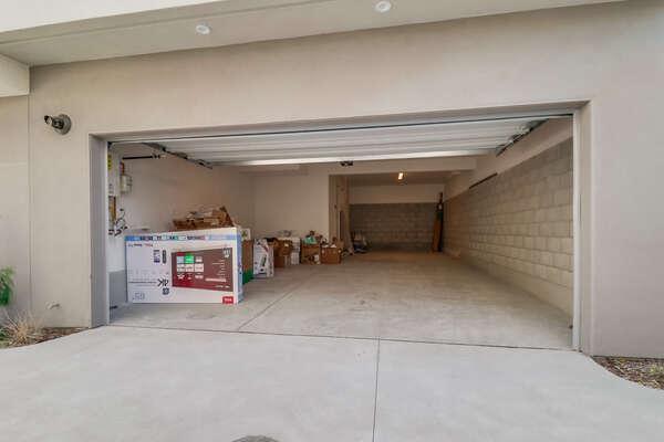 Large Garage, 2-3 Cars!
