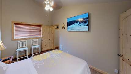 Satellite Tv in both bedrooms