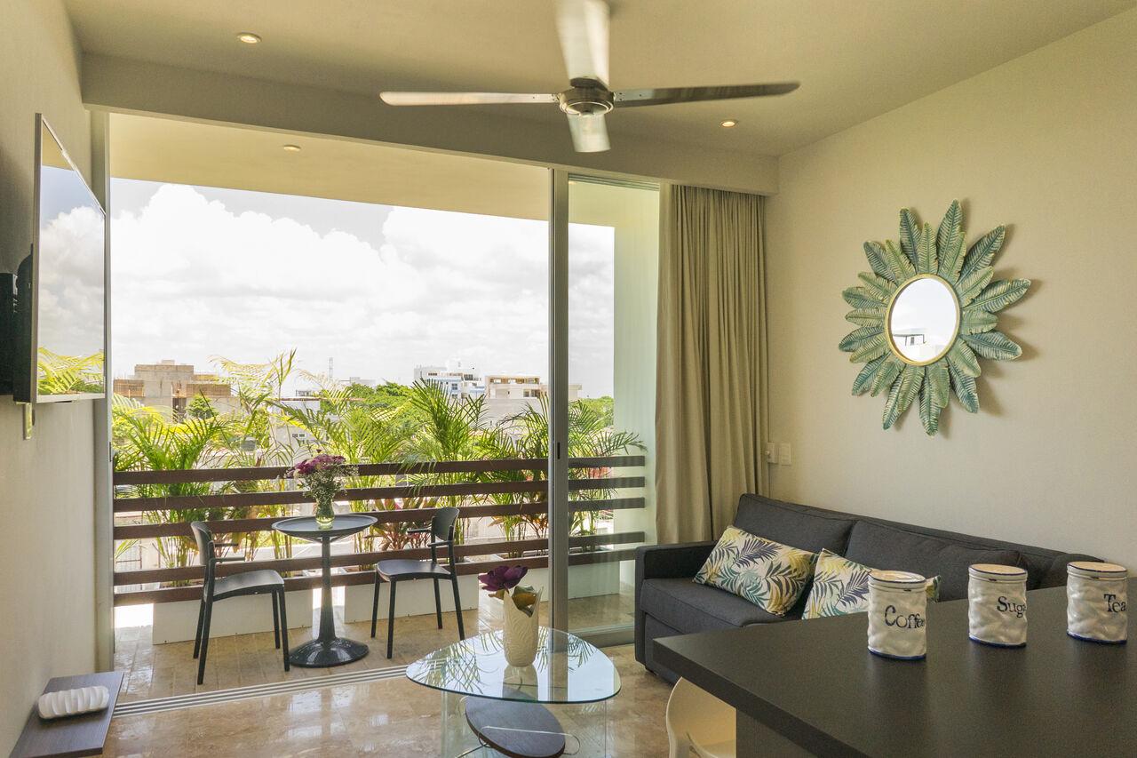Tropic 401 ✈︎ Local Feel in a Design Home ✈︎ 10min from Beach photo 10563113