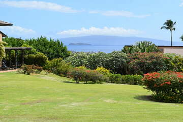 Views of Molokini and beautiful greenery from private lanai