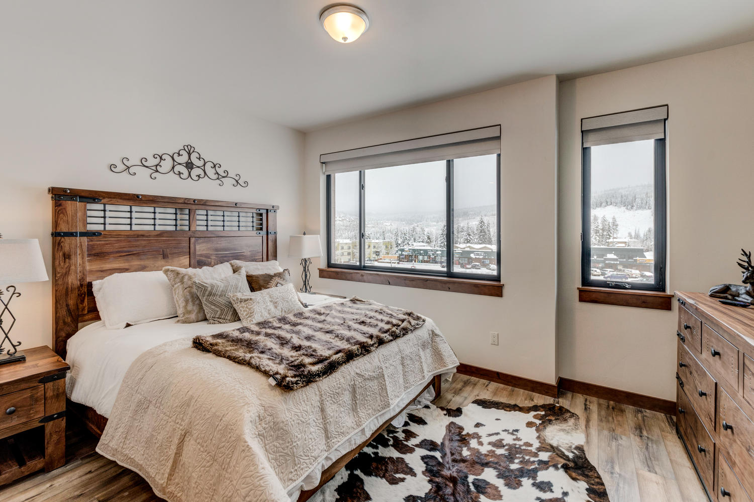 Master suite with great mountain views