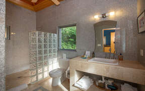 Bedroom 6 ensuite bathroom