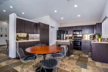 Open Kitchen with Breakfast Table