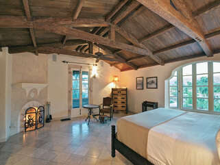 Master Suite with Gorgeous Vaulted Ceilings