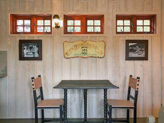 145 Petite Bistro Dining Area