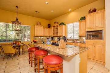 Deluxe Kitchen with Breakfast Nook and Bar
