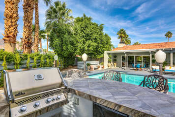 Outdoor BBQ and Bar Top Poolside