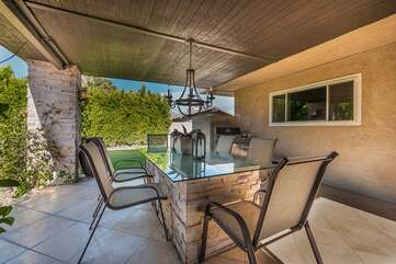 Outdoor Dining Area For Six
