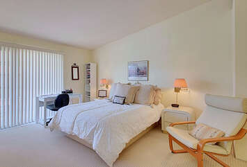 Well Furnished Master Suite