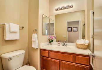 Shared Hallway Bath with Tub/Shower Combo