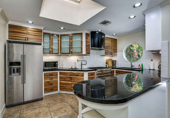 Full Remodeled and Updated Kitchen
