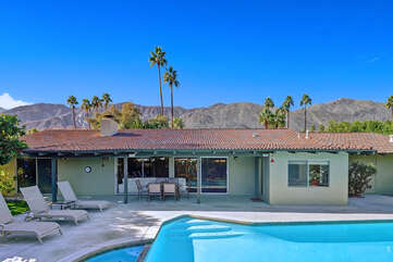 Your Palm Springs Getaway Reverse View
