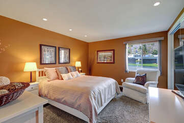 Charming Guest Bedroom 2