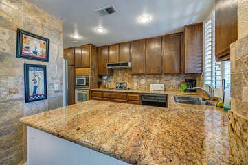 Deluxe Fully Equipped Kitchen