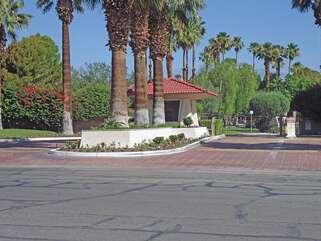 Entrance to Palm Springs Villas
