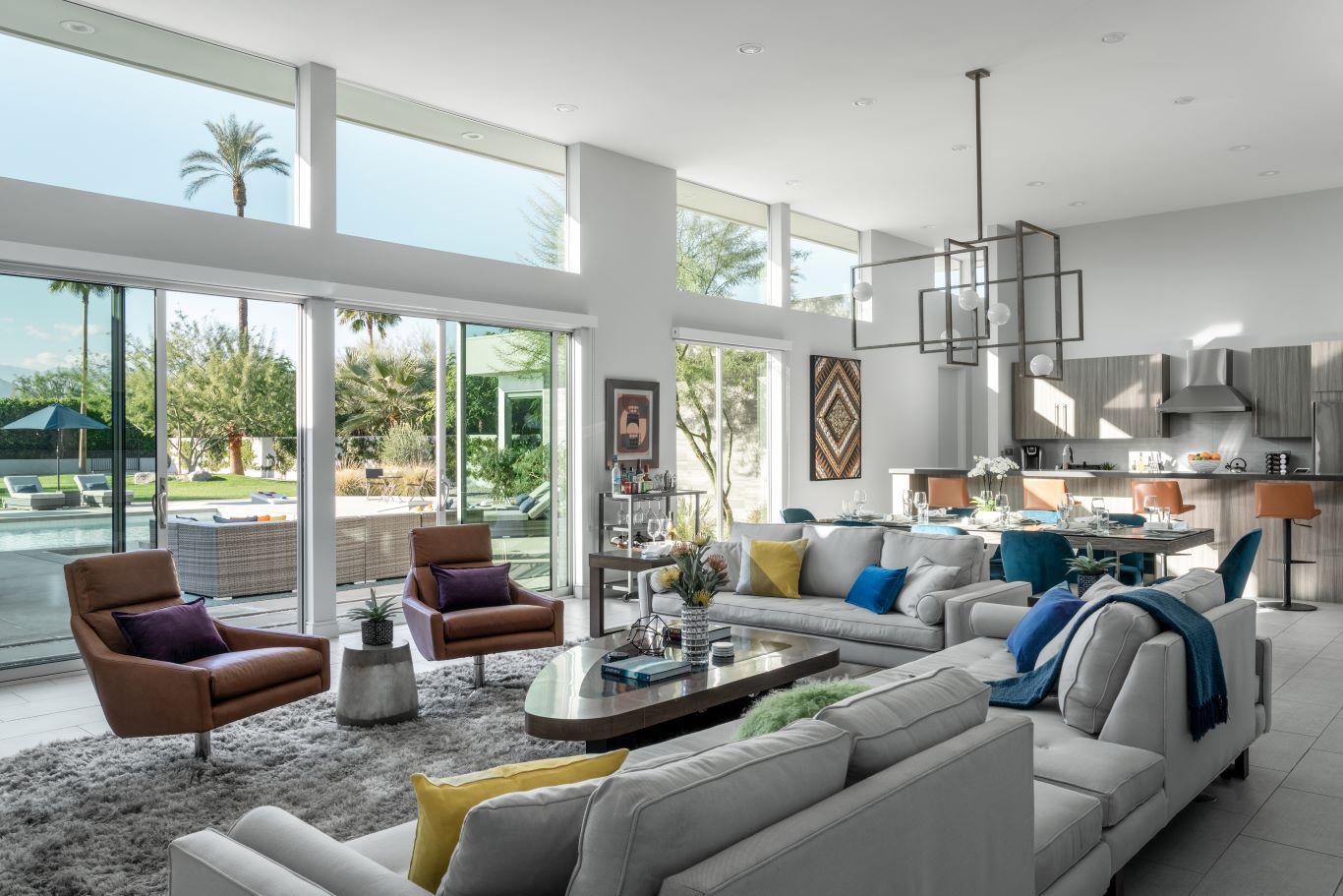 Open Concept Indoor / Outdoor