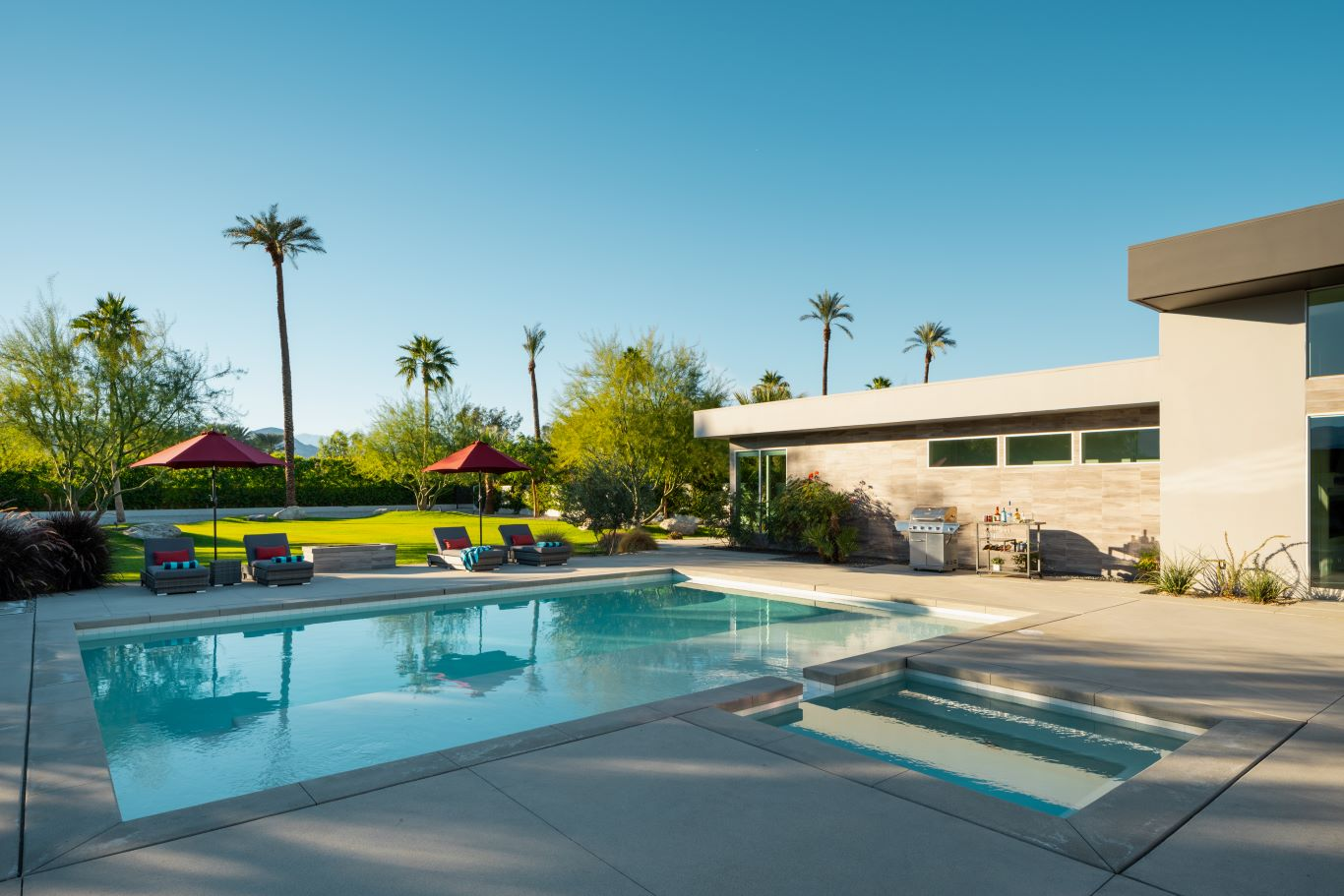 Large Pool Deck with BBQ and Drink Cart