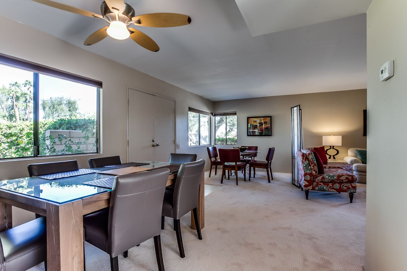 Dining Area to Breakfast Nook