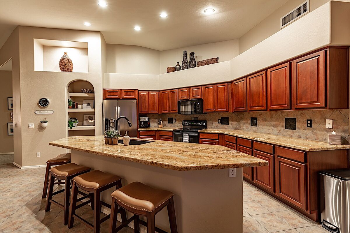 Fully equipped kitchen with plenty of storage