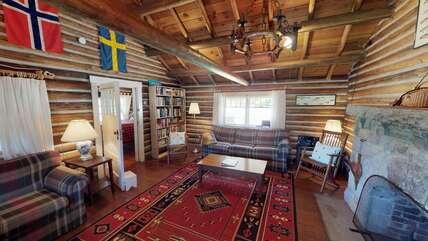 Single Level Cabin Living room