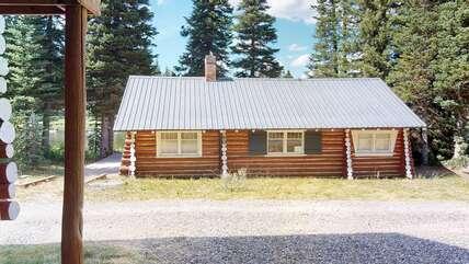 Side of single level cabin