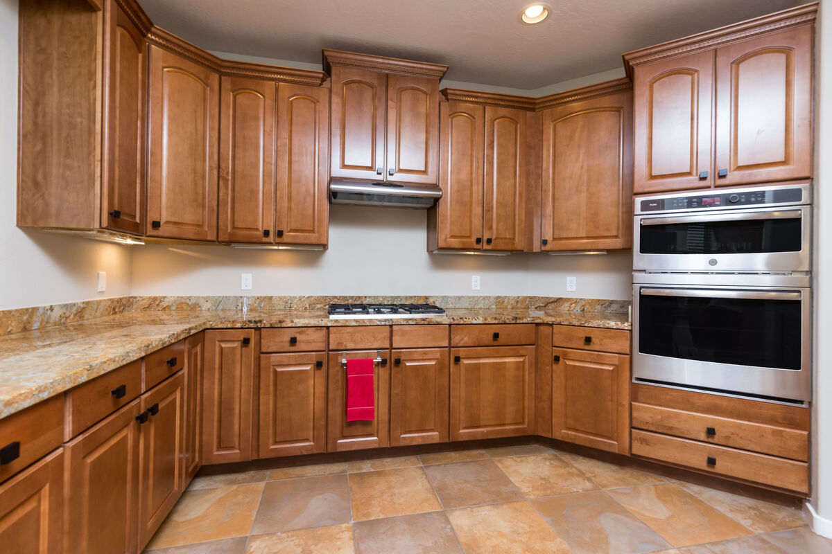 Fully equipped kitchen with plenty of storage for any extras
