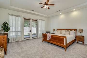 Master Suite with California King Bed
