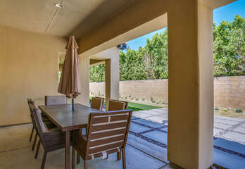 Covered Patio Dining for Six