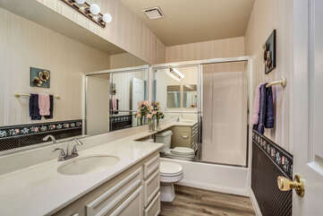 Shared Guest Bath with Tub/Shower Combo