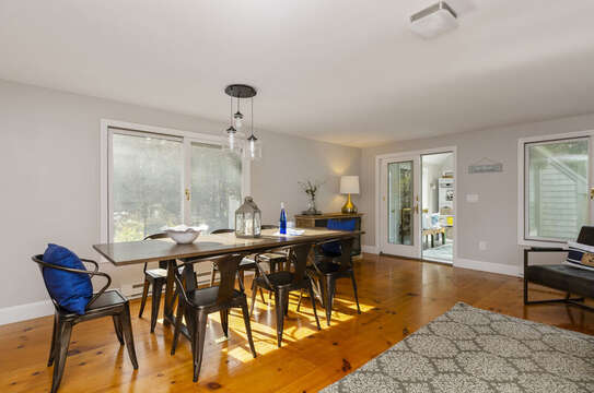 Dining area for 6 with view of sitting area/breeze way 50 Blue Heron Eastham Cape Cod - New England Vacation Rentals