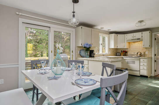 Eat in Kitchen seating for 6 50 Blue Heron Eastham Cape Cod - New England Vacation Rentals