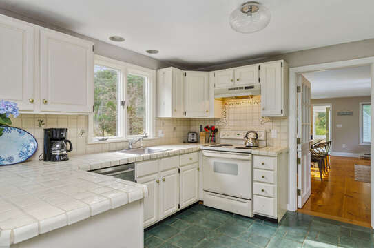 Well appointed Kitchen Dishwasher, stove/oven,coffee maker 50 Blue Heron Eastham Cape Cod - New England Vacation Rentals