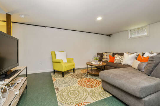 entertainment room with flat screen tv. 0 Blue Heron Eastham Cape Cod - New England Vacation Rentals